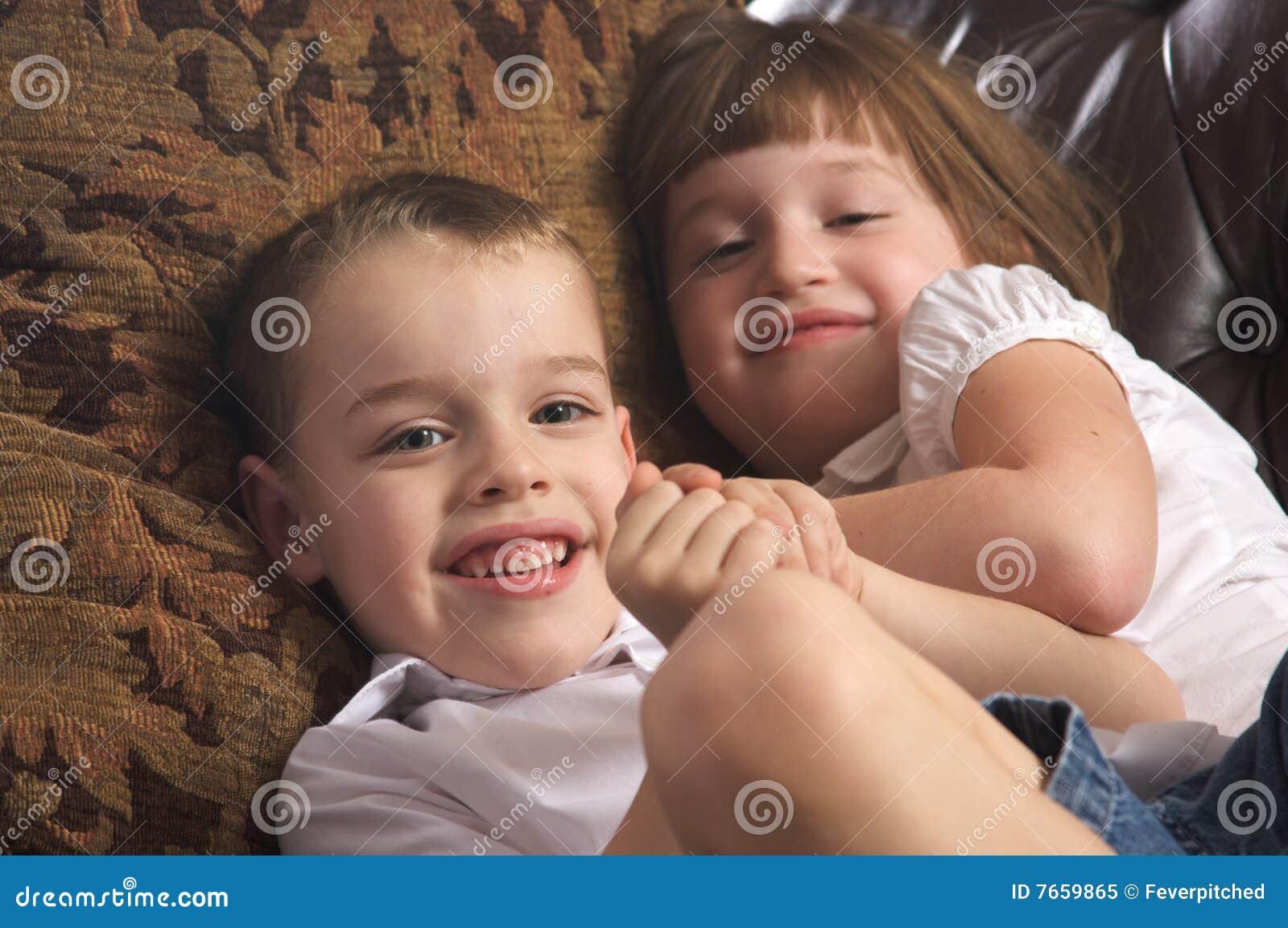 Секс брат сестра и, Порно: брат и сестра. Секс инцест брата и сестры на 23 фотография