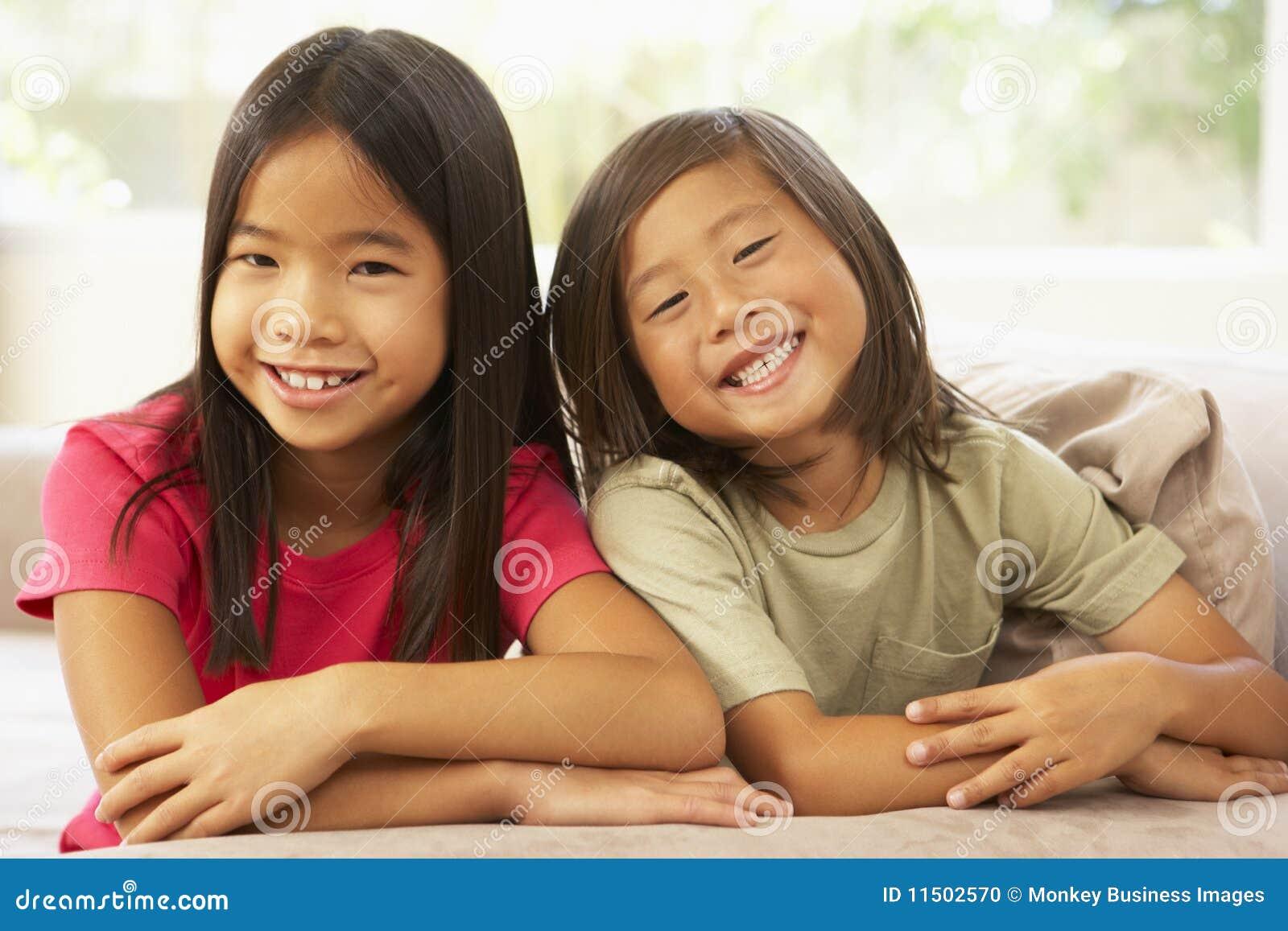 Порно с молоденькой сестрой смотреть