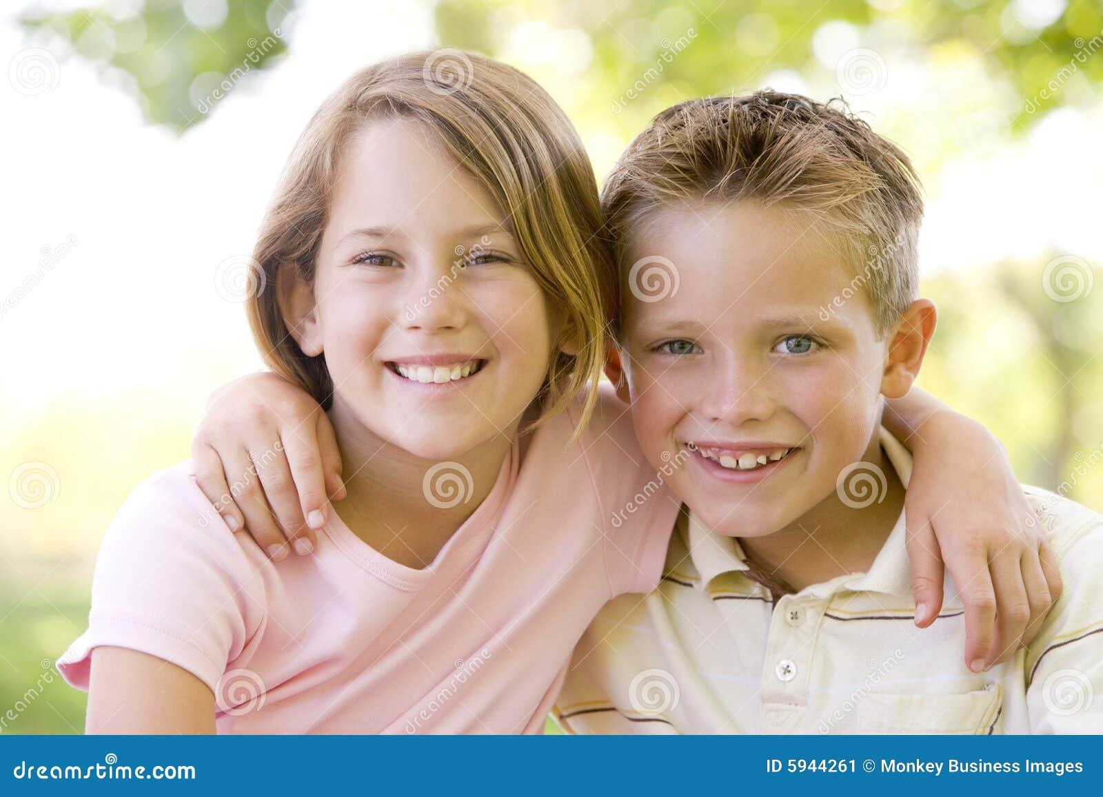 Секс молодых с братом с сестрой 13 фотография