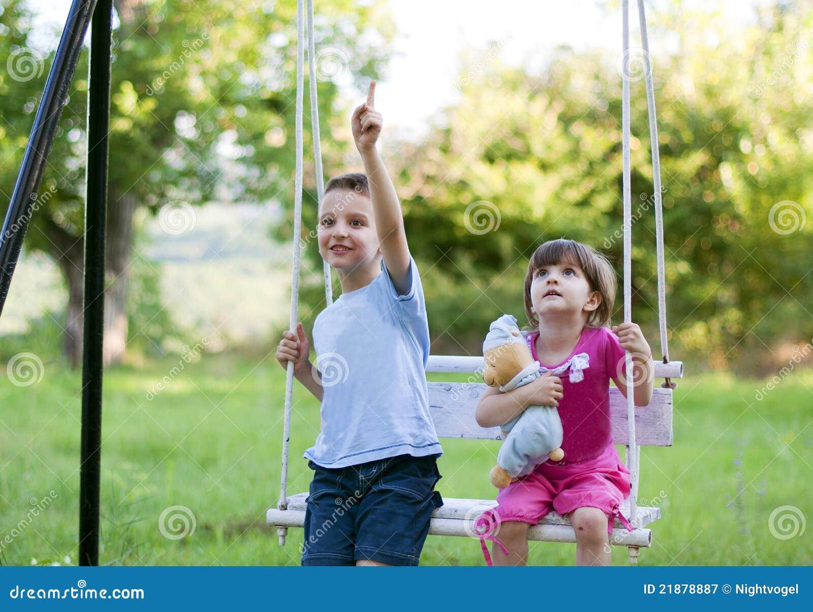 swing sis