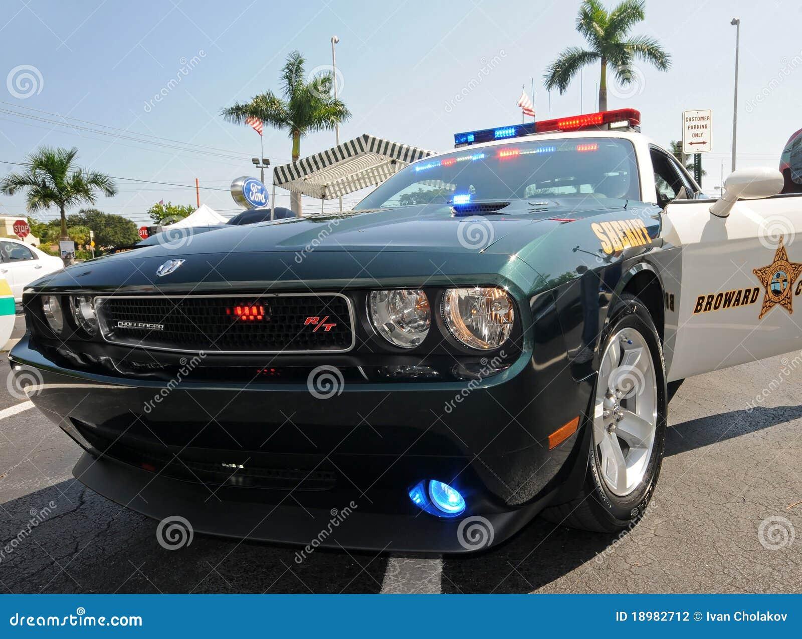 police car com