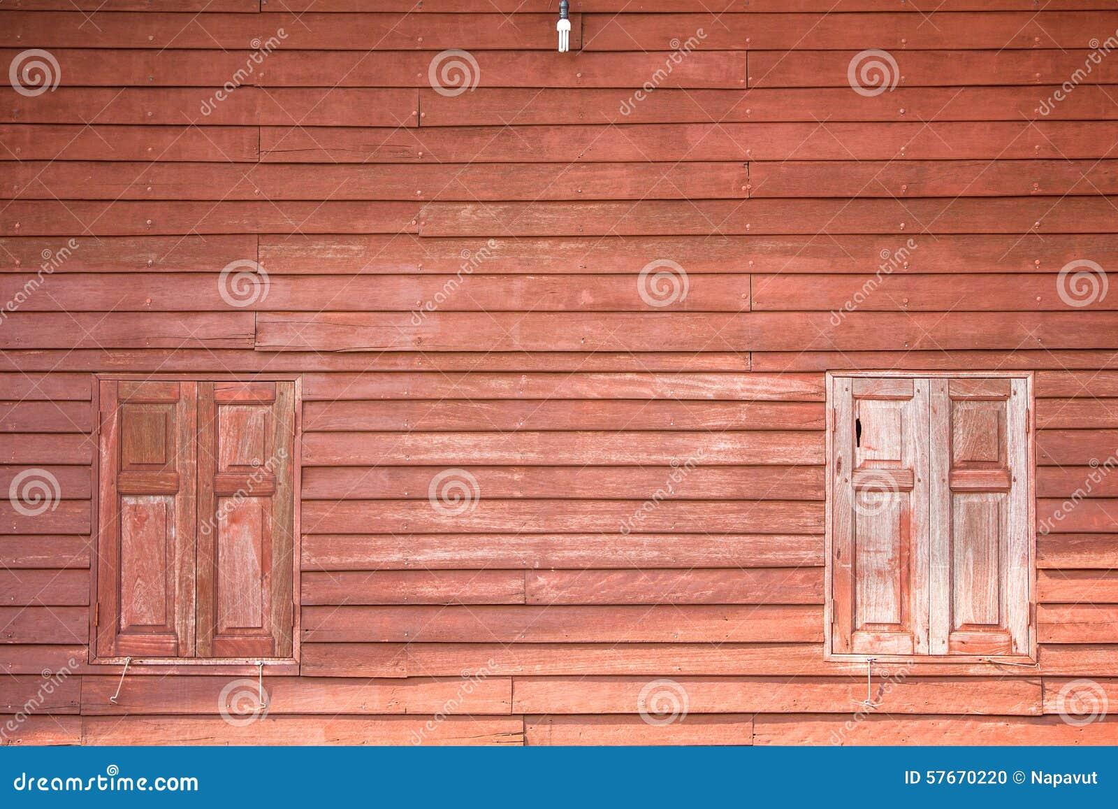 Brown drewniany okno