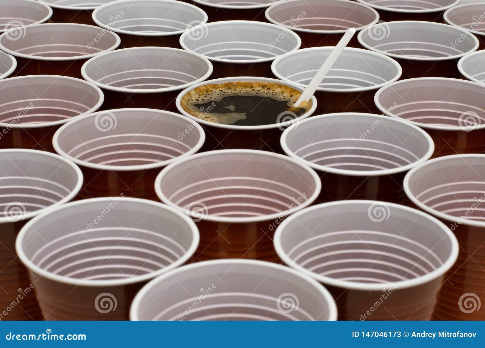 Brown-Plastikschalen