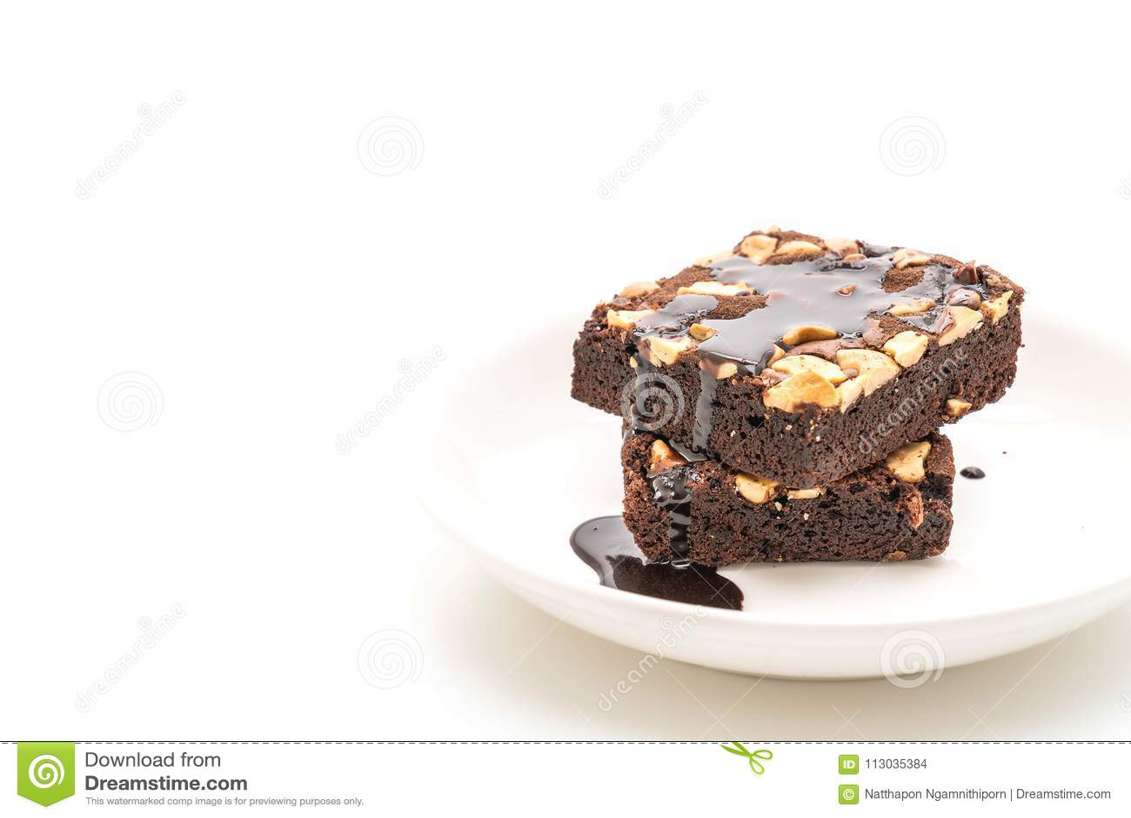 Brownie del chocolate con la salsa de chocolate