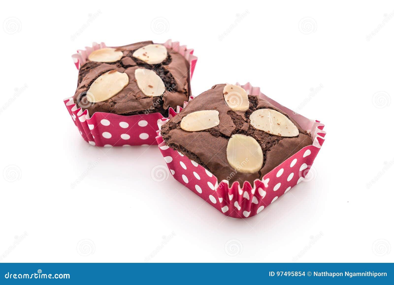 Brownie del cioccolato su bianco