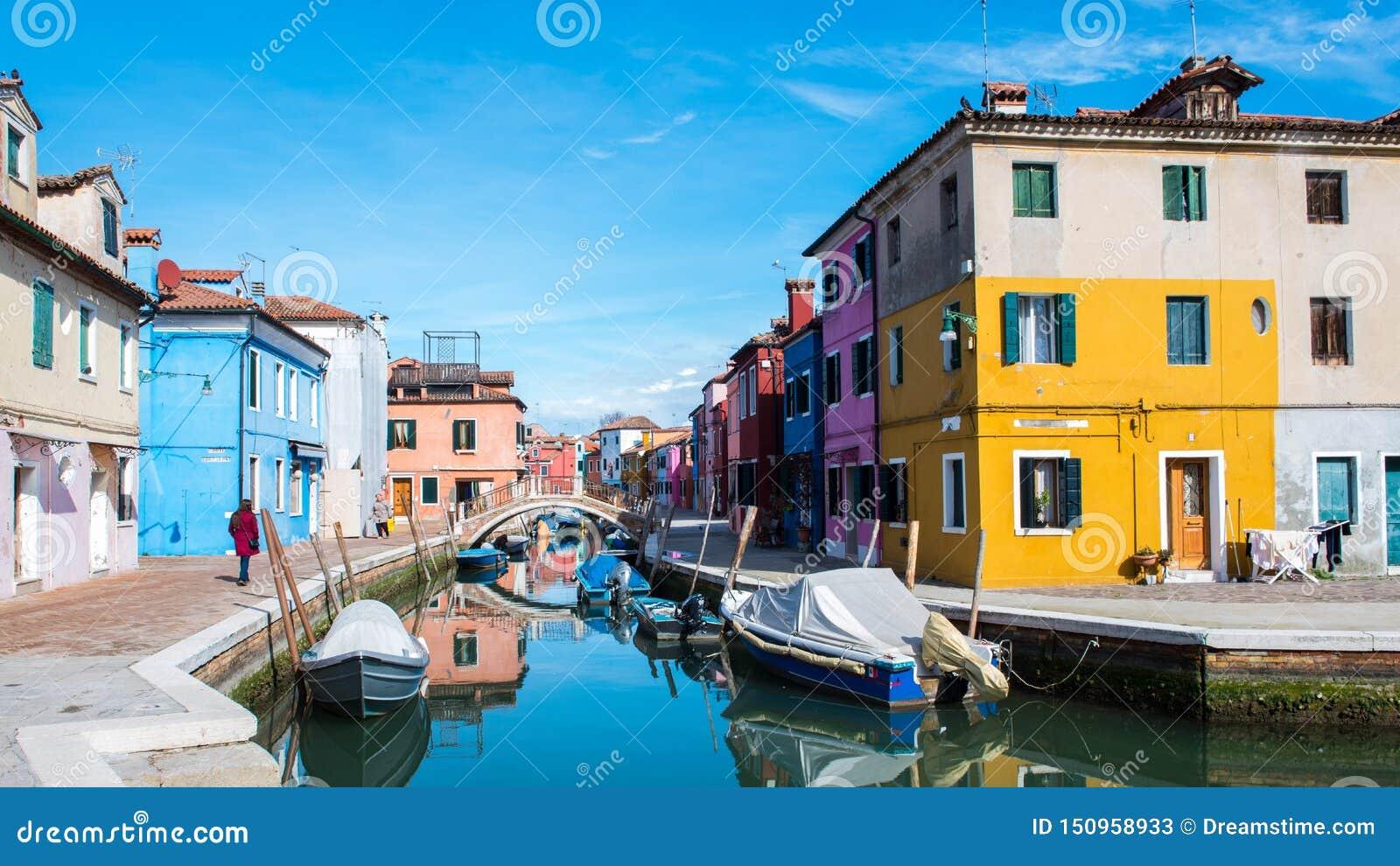 Bruano Italia y sus canales hermosos