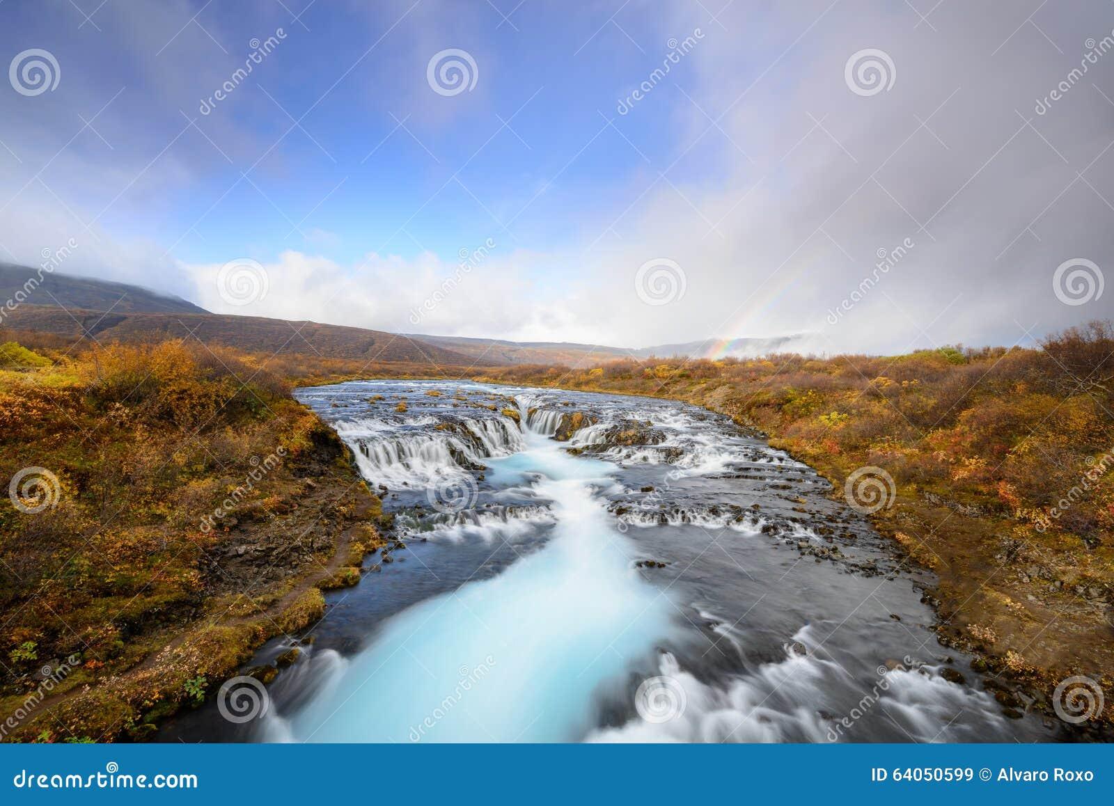 Bruarfoss en Islandia, el misterio de la cascada azul