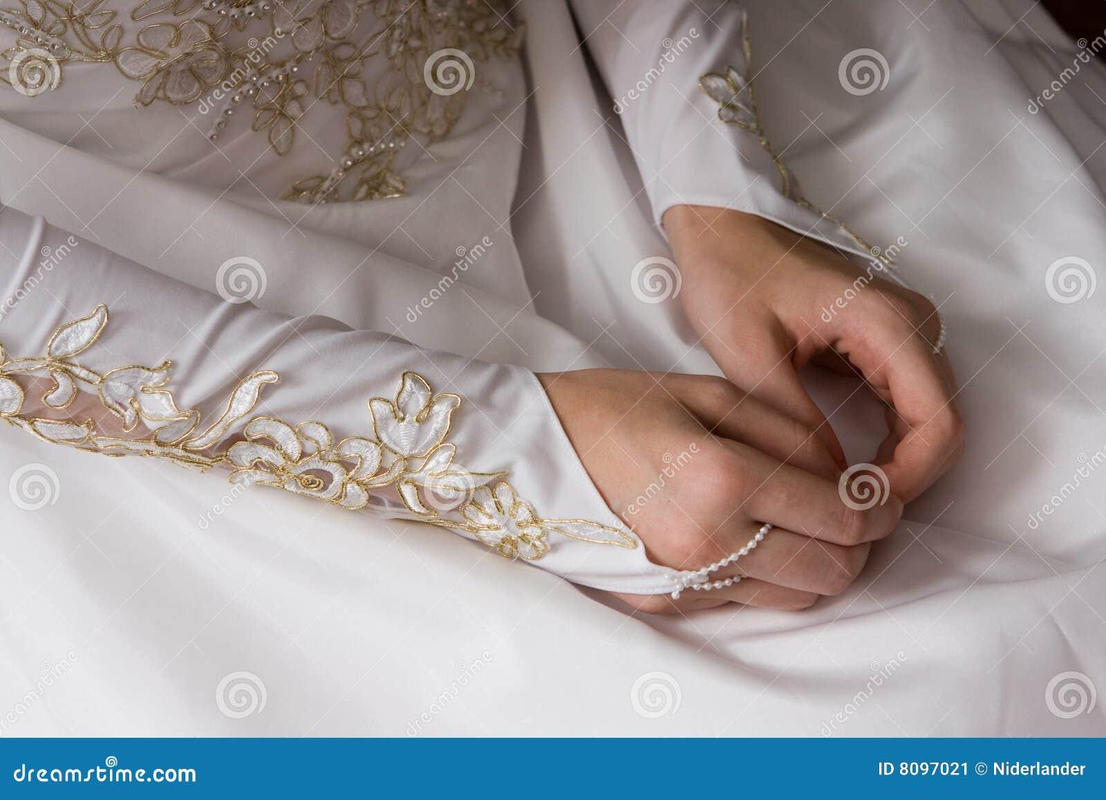 Bruden hands barn