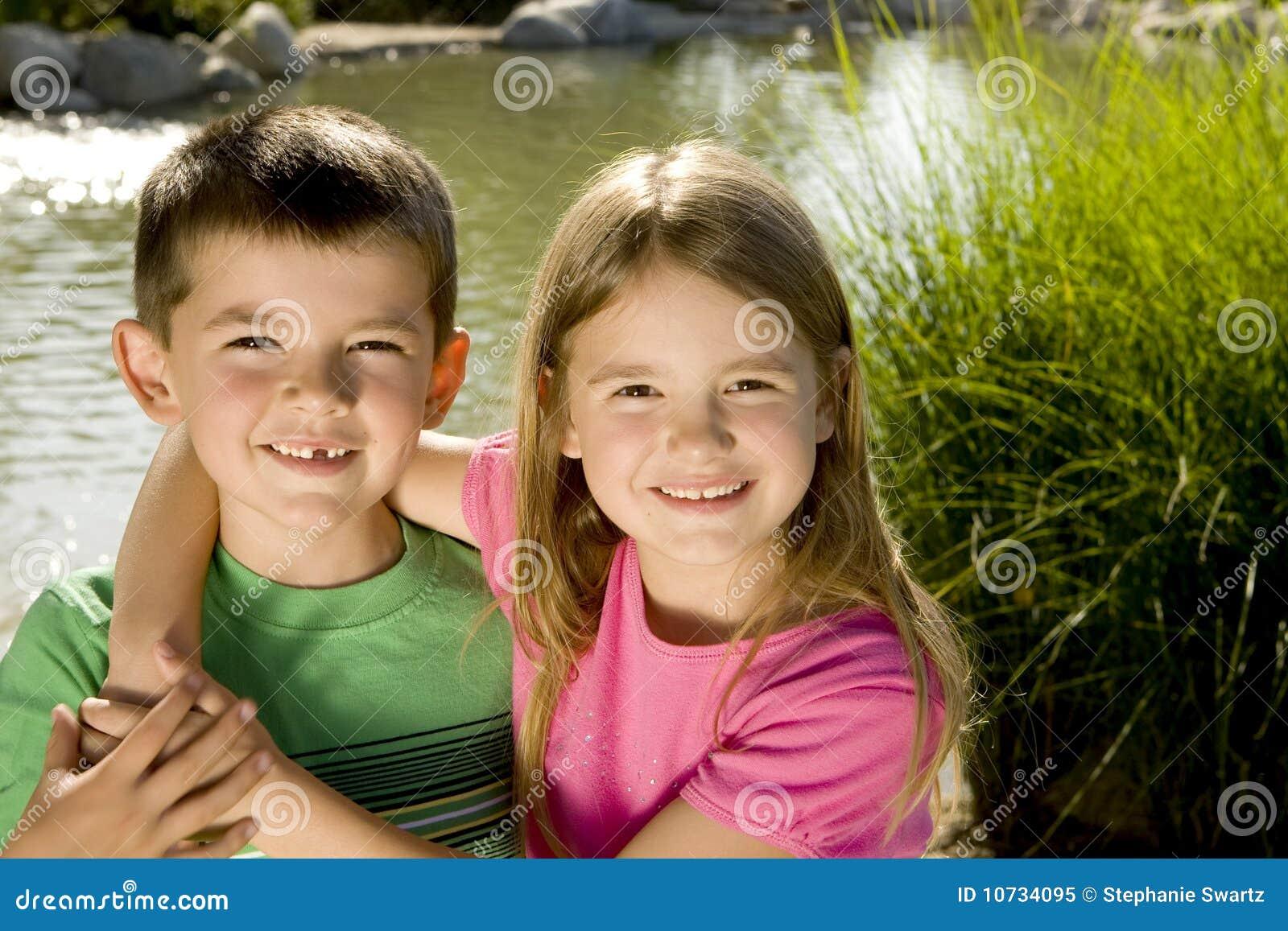 Kostenloses Bruder und Schwestern Photos - FreeImages.com