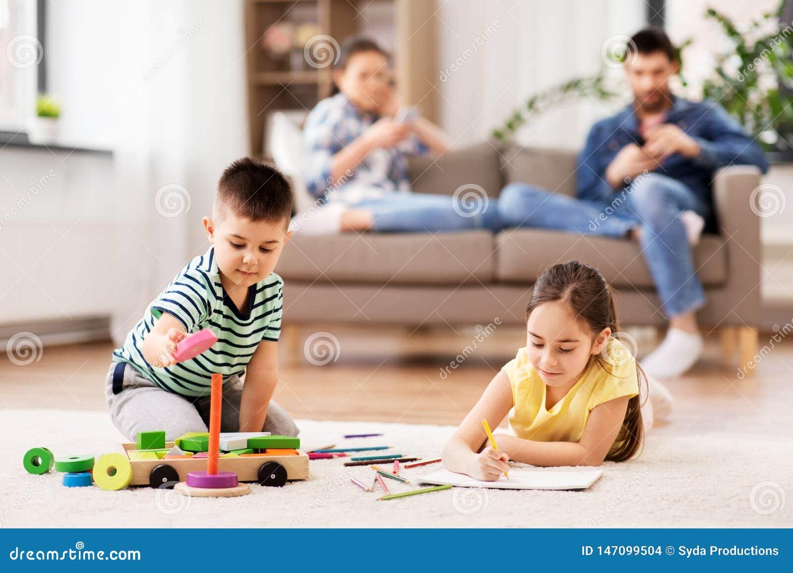 Spielen Spiel Bruder und Schwester Liebesgeschichte