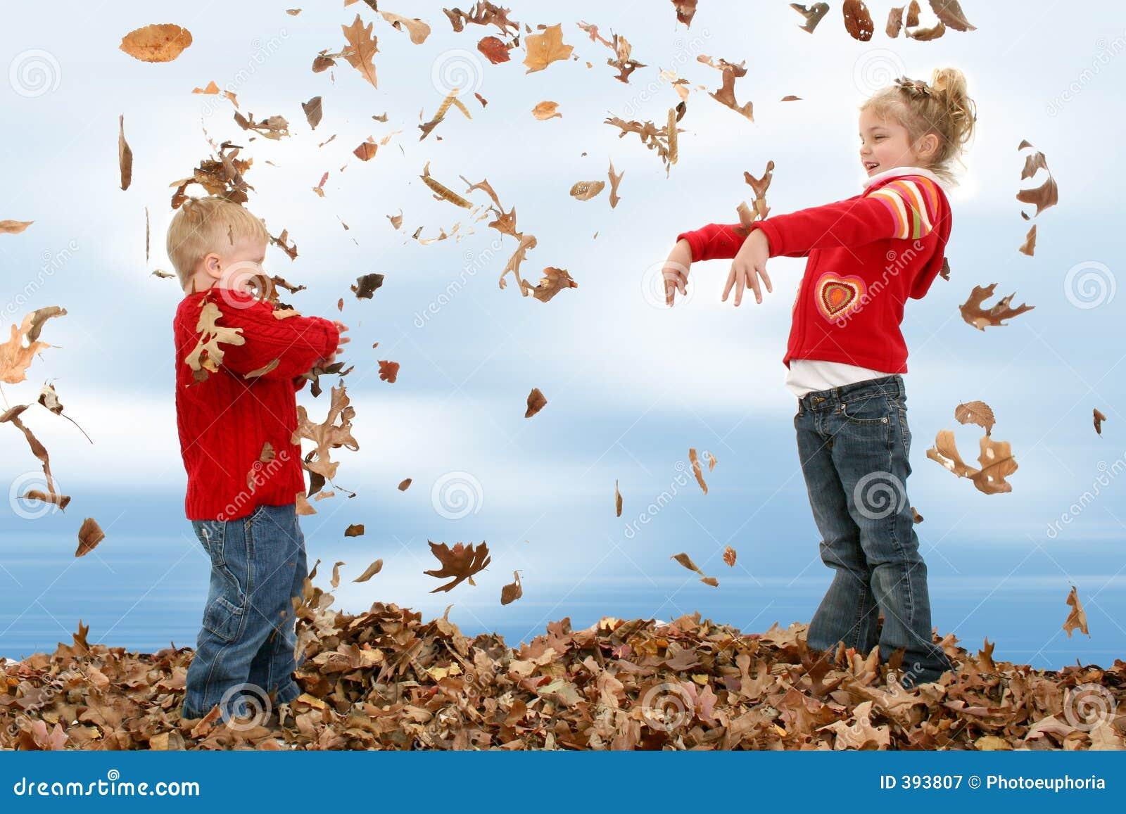 Bruder-und Schwester-werfende Blätter
