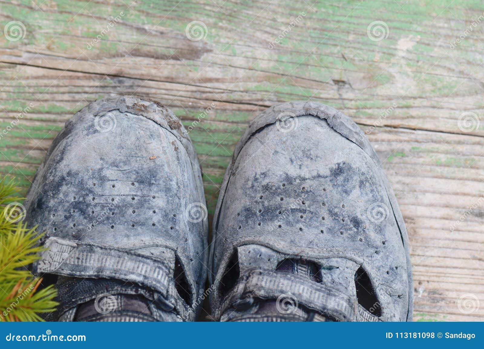 Brudni działanie buty