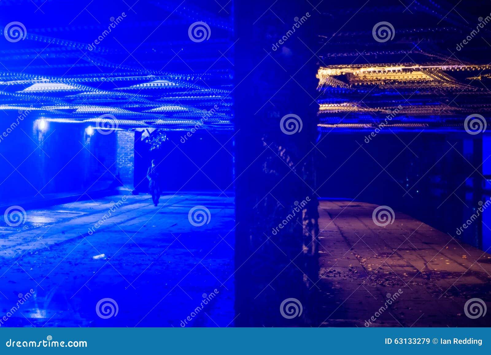 Brug in Camden met blauw licht om druggebruikers uit te stellen