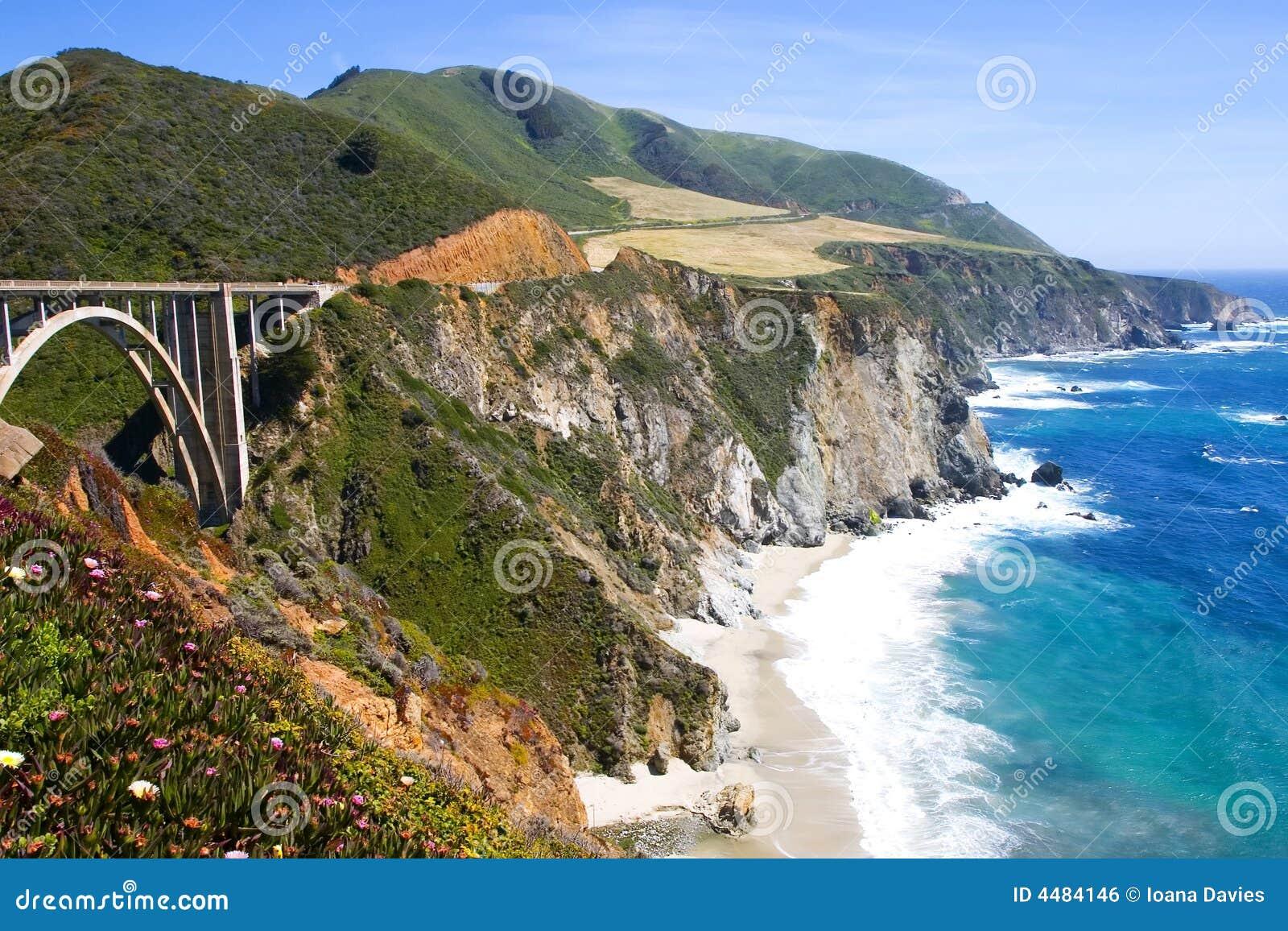 Brug in Grote Sur, Californië