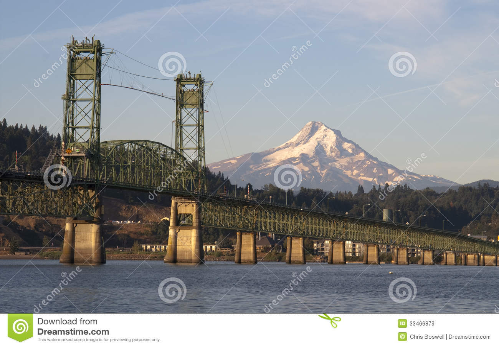 Brug over Colombia aan Hood River Oregon Cascade Mountian