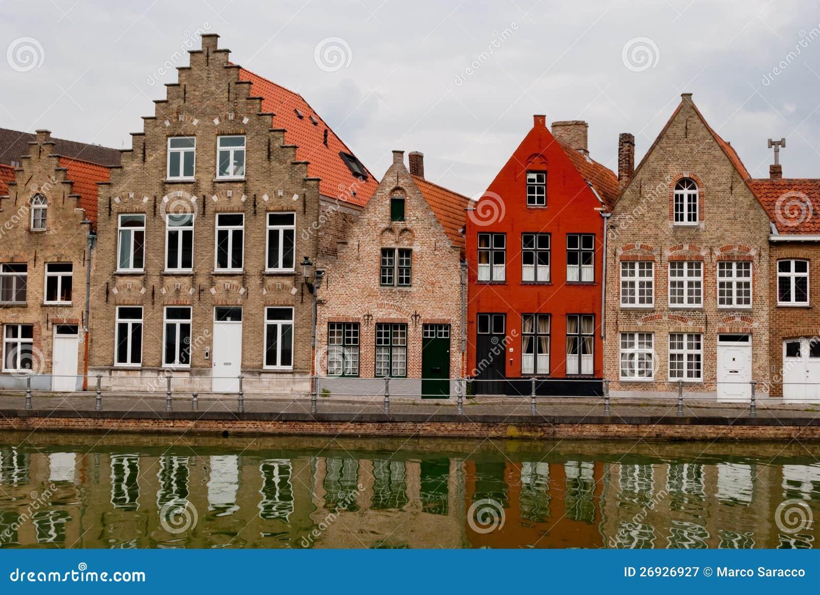 Дома бельгия сколько стоит жить в германии 2017