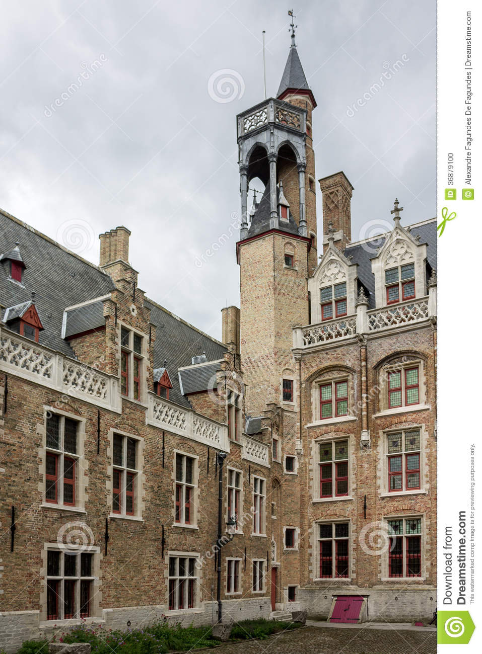 Download Bruges Belgio fotografia stock. Immagine di castello - 36879100
