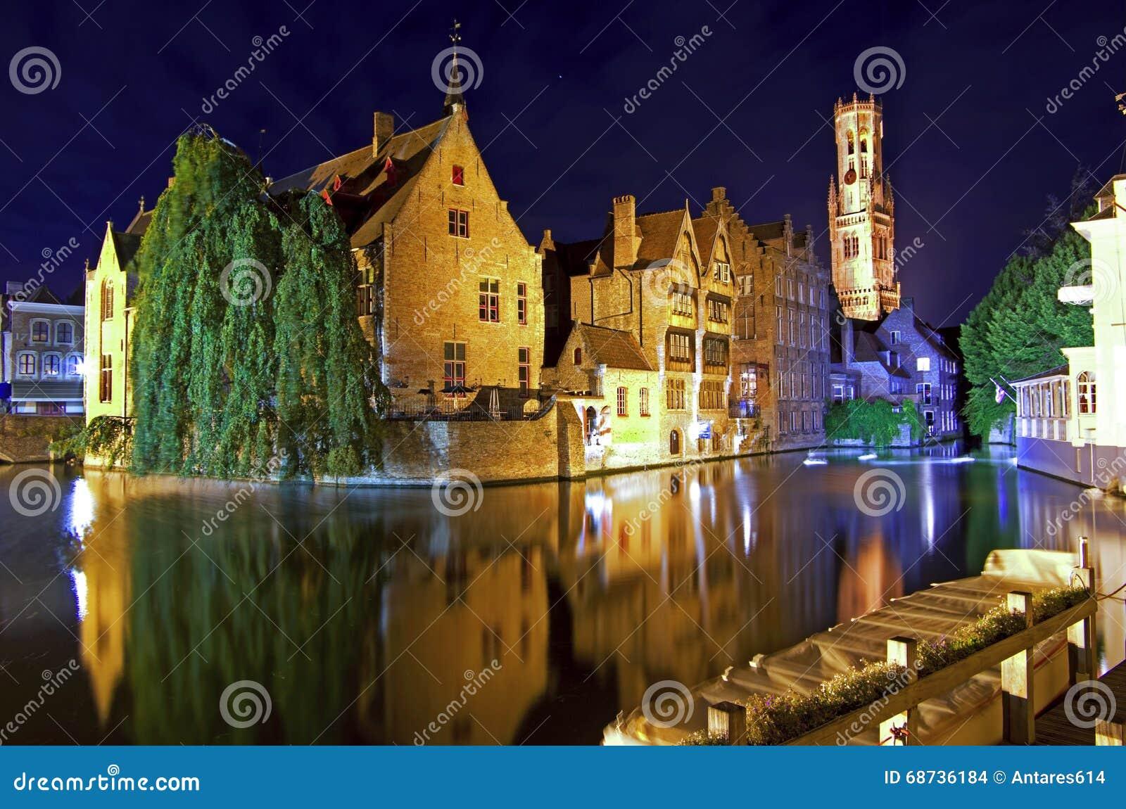 Bruges na noite