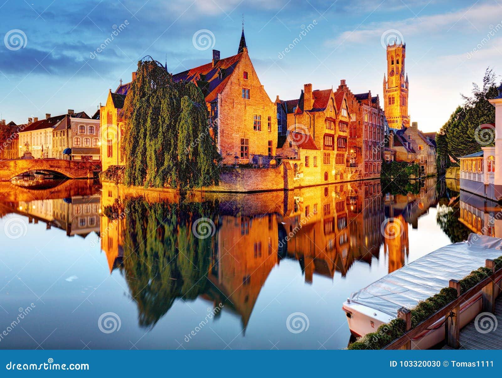 Brugge - Kanalen van Brugge, België, die mening gelijk maken