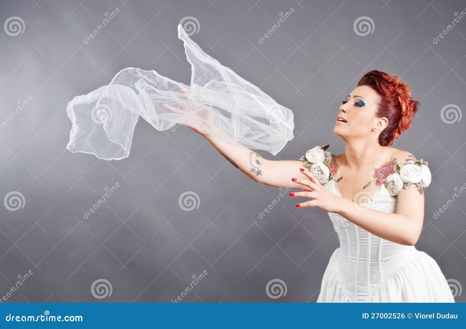 Bruid die haar sluier werpt