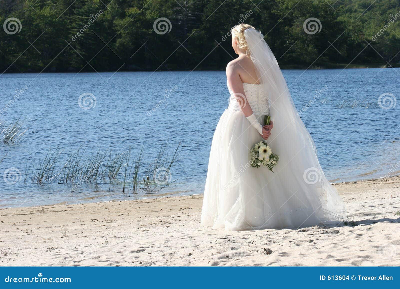 Bruid door het Meer