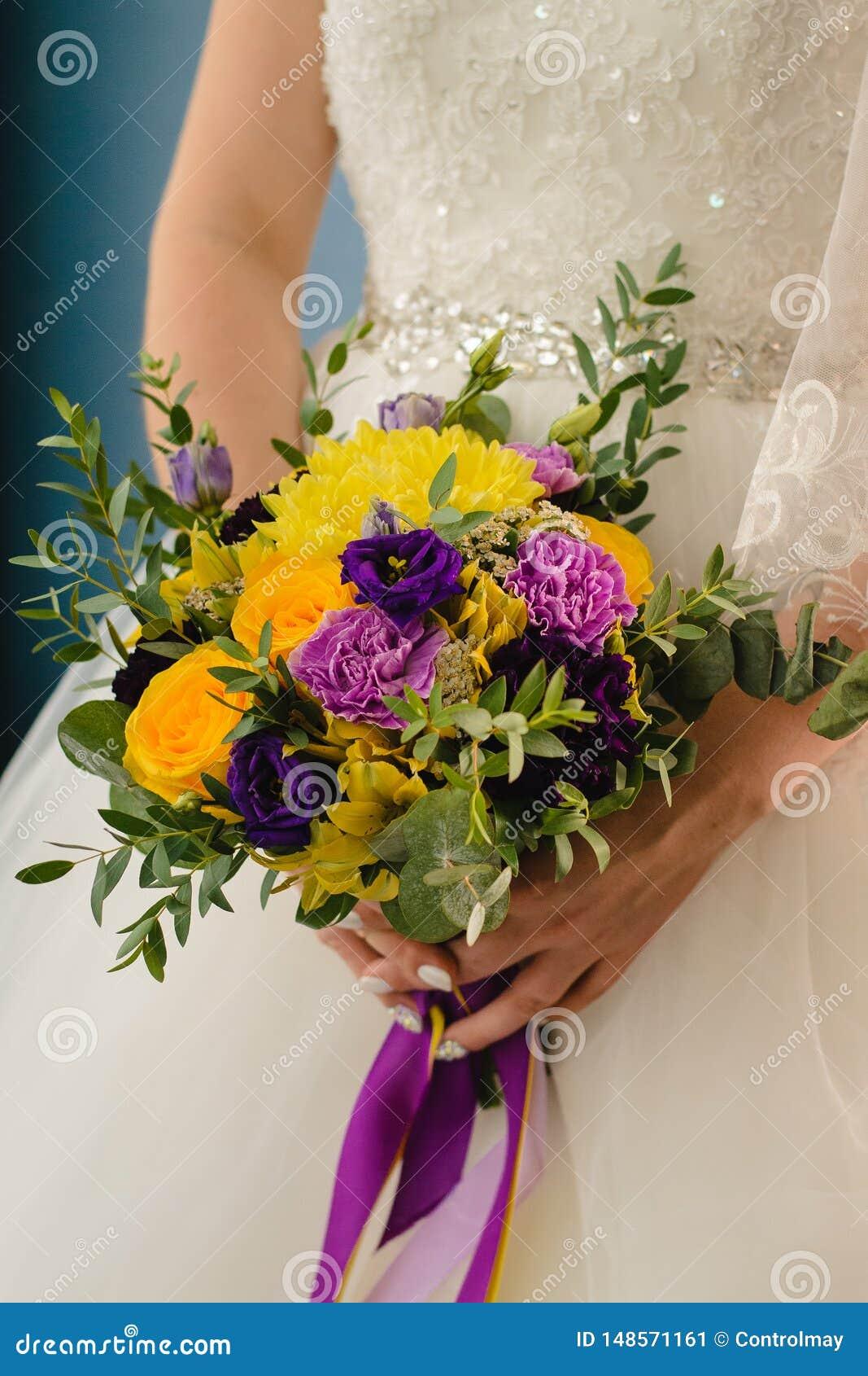 Bruids boeket op de huwelijksdag
