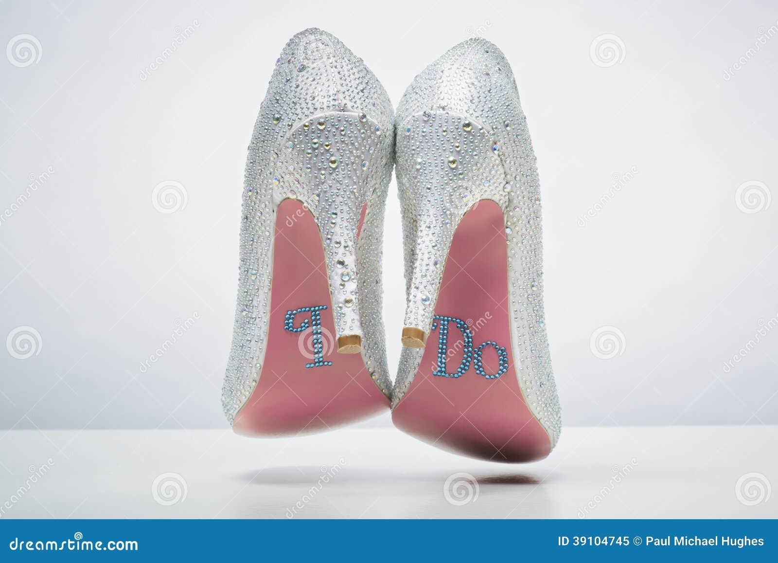 Bruids huwelijksschoenen met doe ik bericht op zool