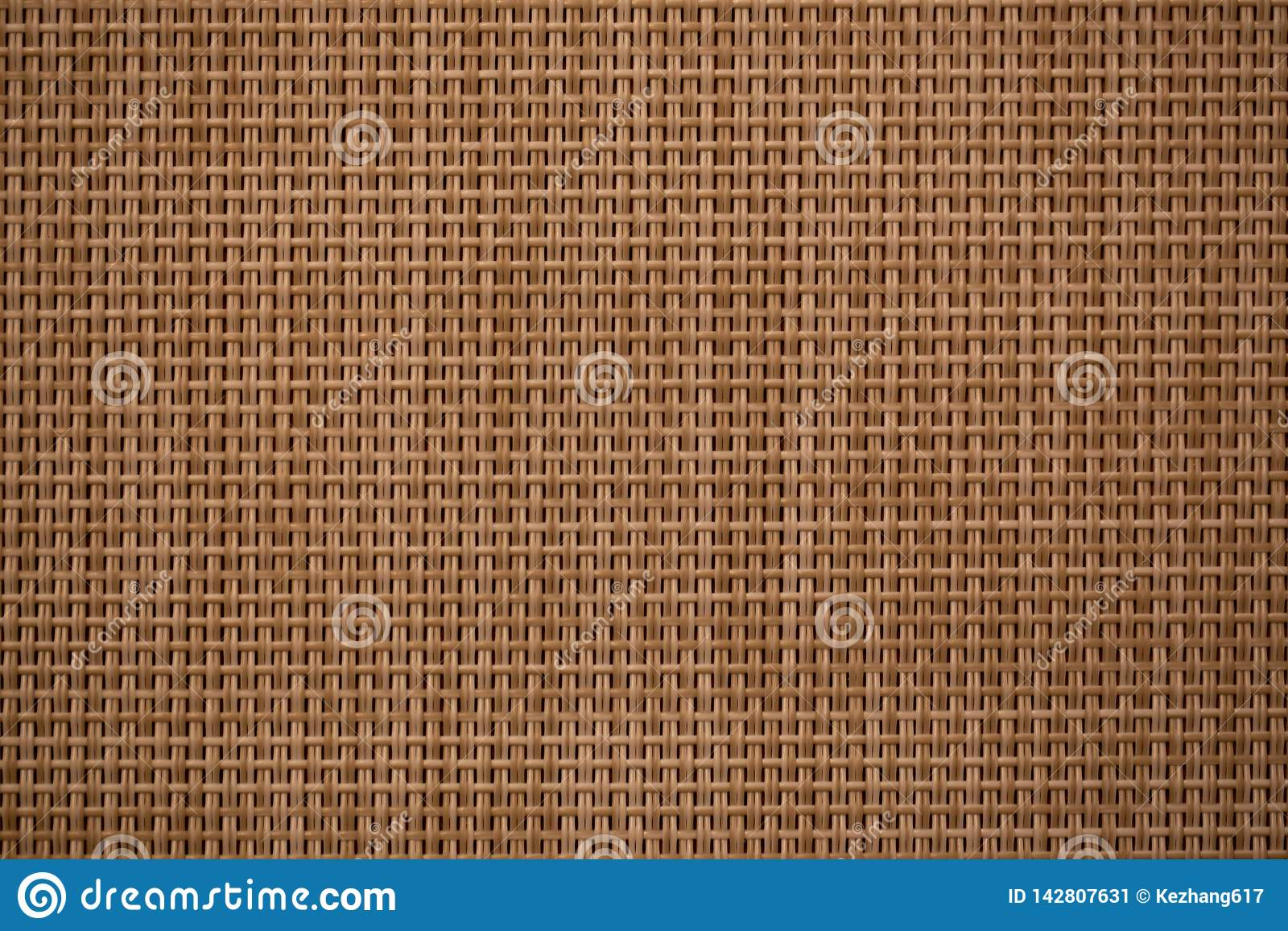 Bruin geweven bamboe dwarspatroon