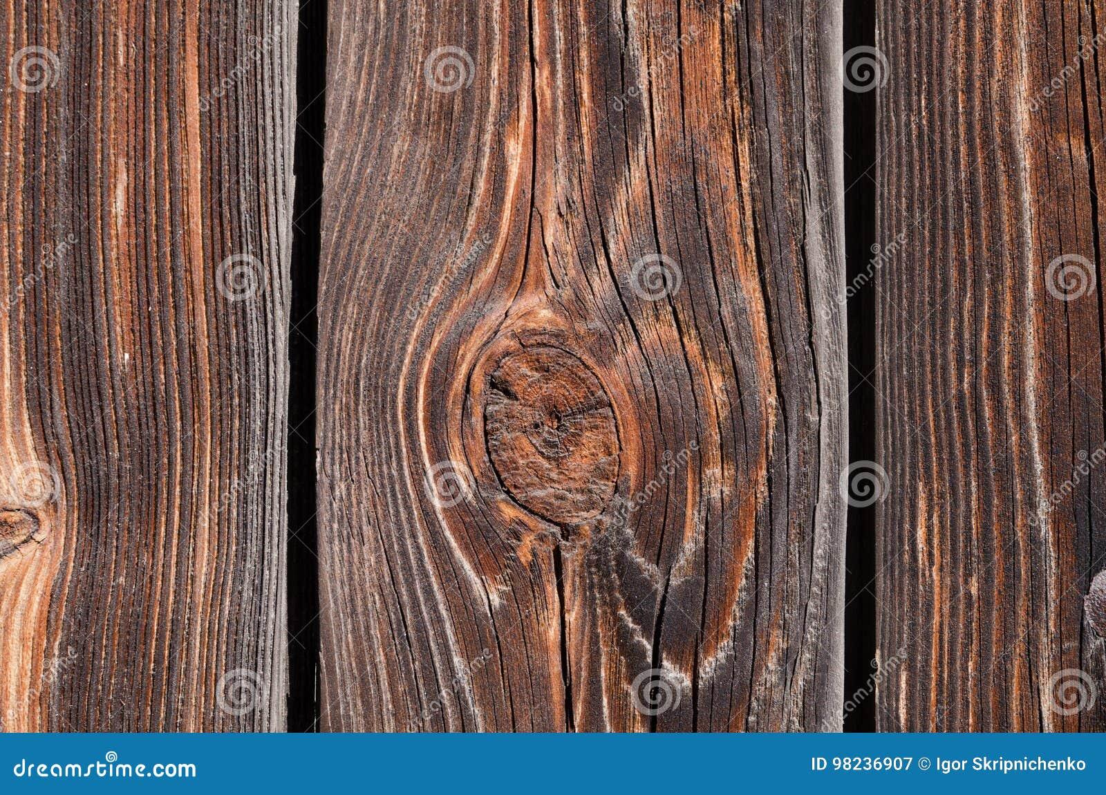 Bruine houten raad met holten