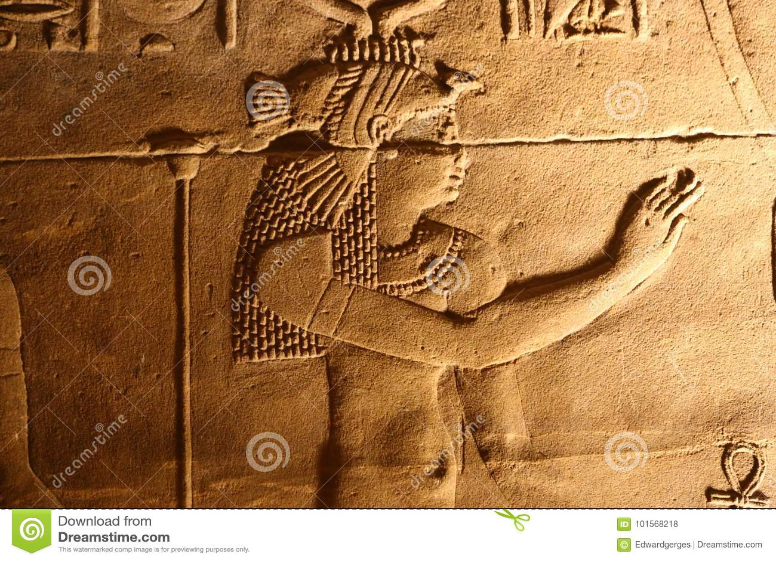 Bruit et lumière avec des hiéroglyphes sur le temple d Isis Philae, Egypte
