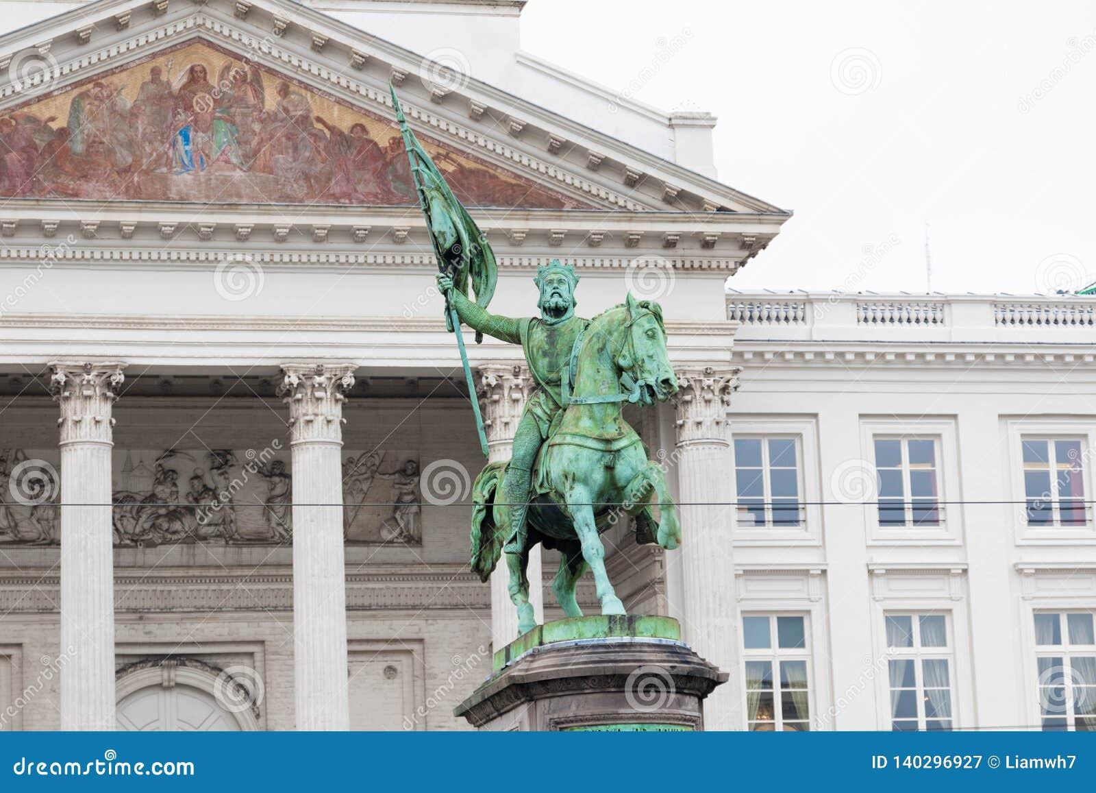 Bruksela/Belgium-01 02 19: Królewiątka Albert statua W Brukselskim Belgia