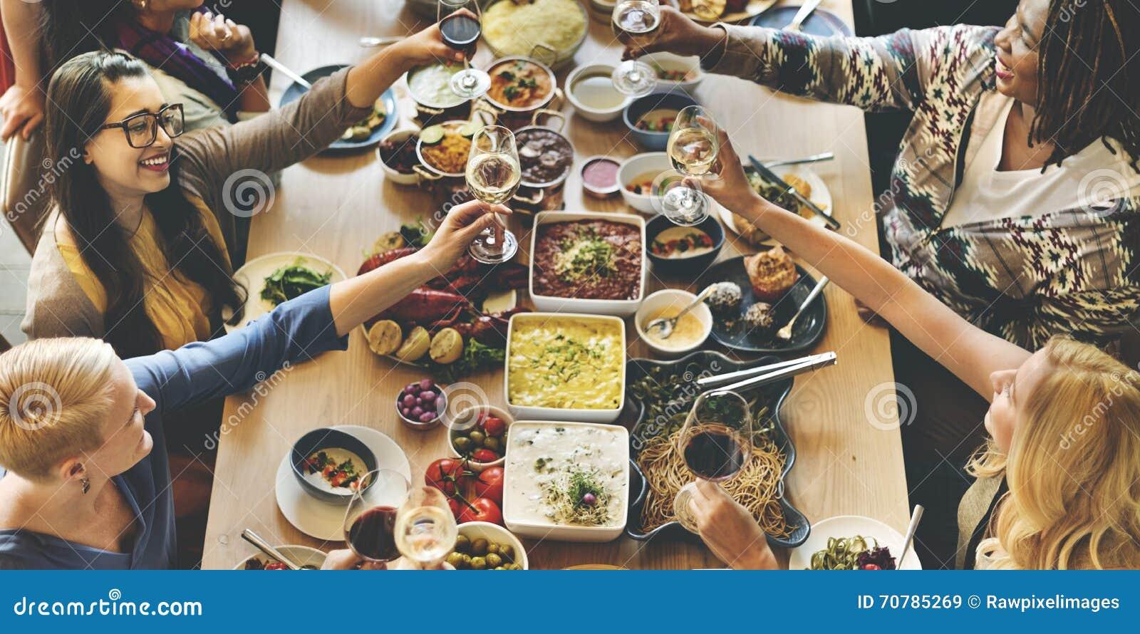 Brunch-auserlesene Menge, welche die Lebensmittel-Wahlen essen Konzept speist