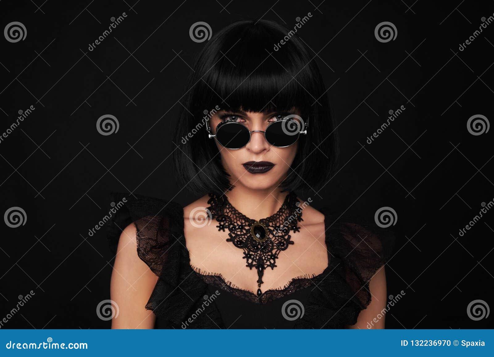 Brunetki piękna Kobieta Gothick styl