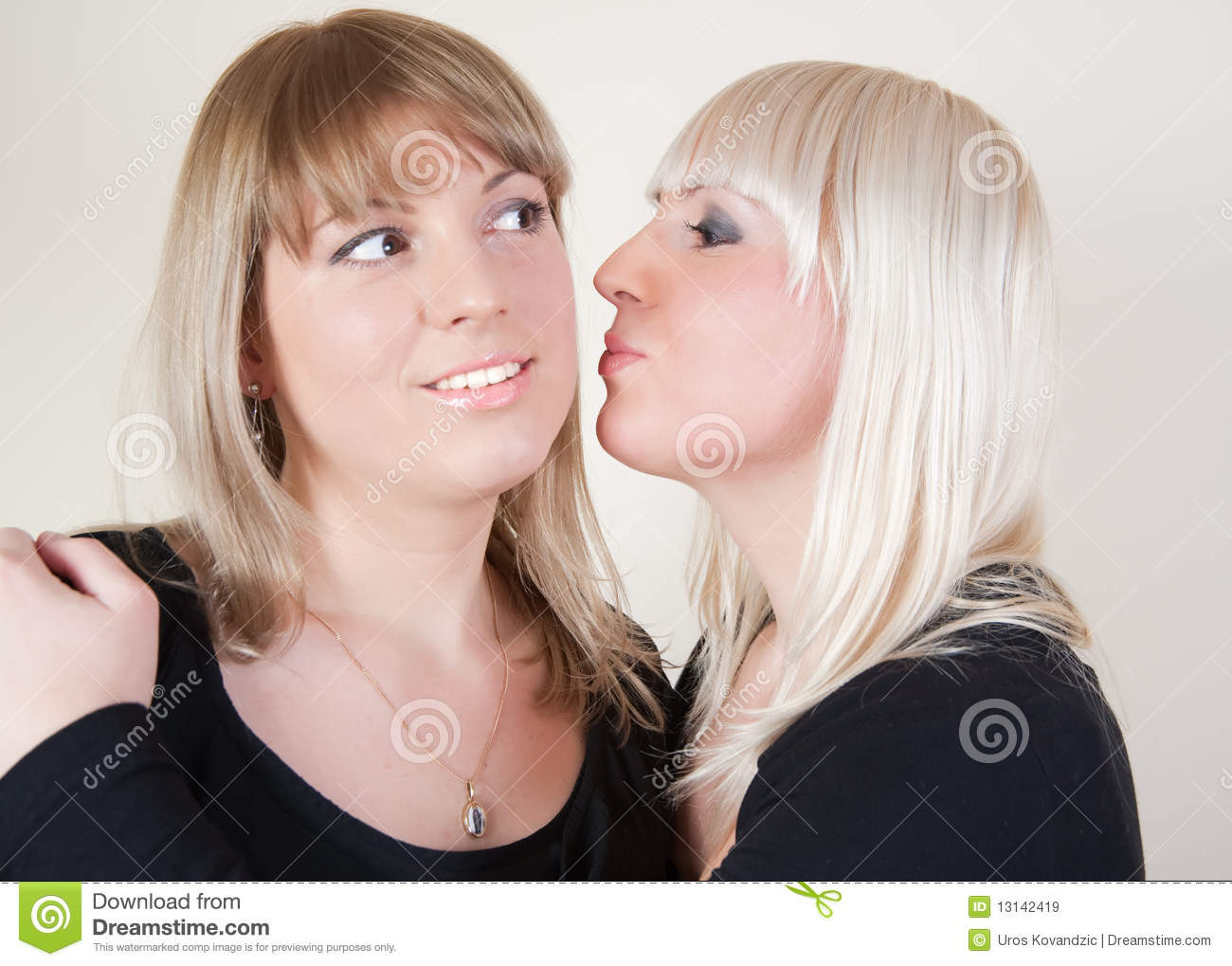 Excellent Gorgeous blonde teen girls kissing