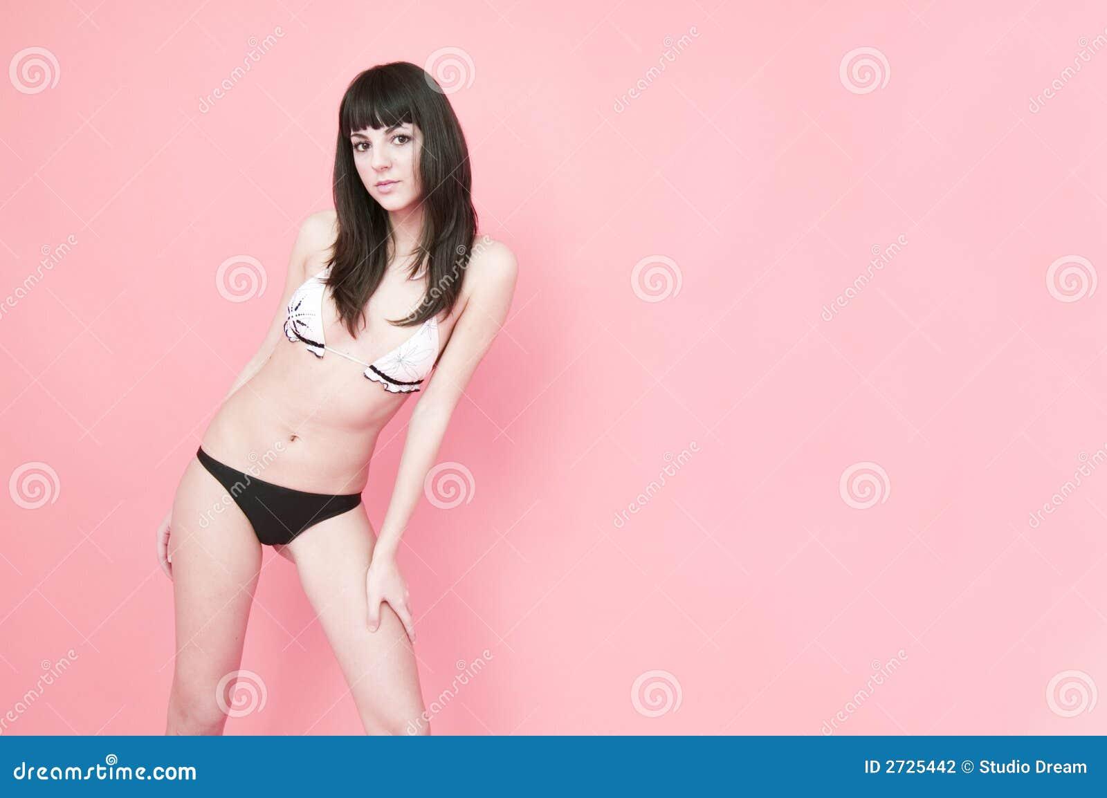 Brunette no biquini