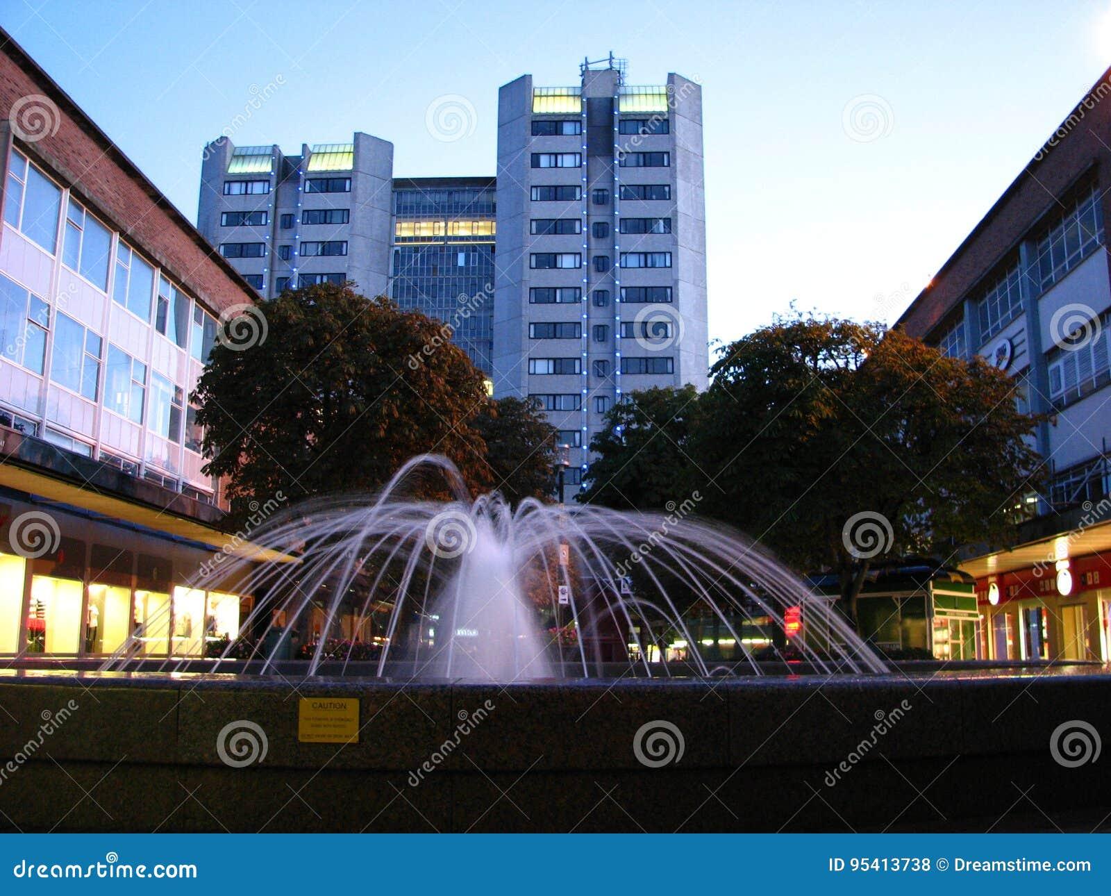 Brunnen-Coventry-Stadtzentrum England