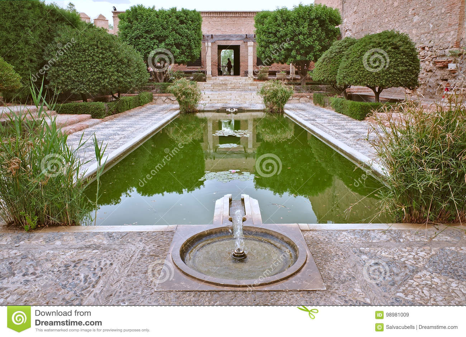 Brunnen im Alcazaba von Almeria andalusia