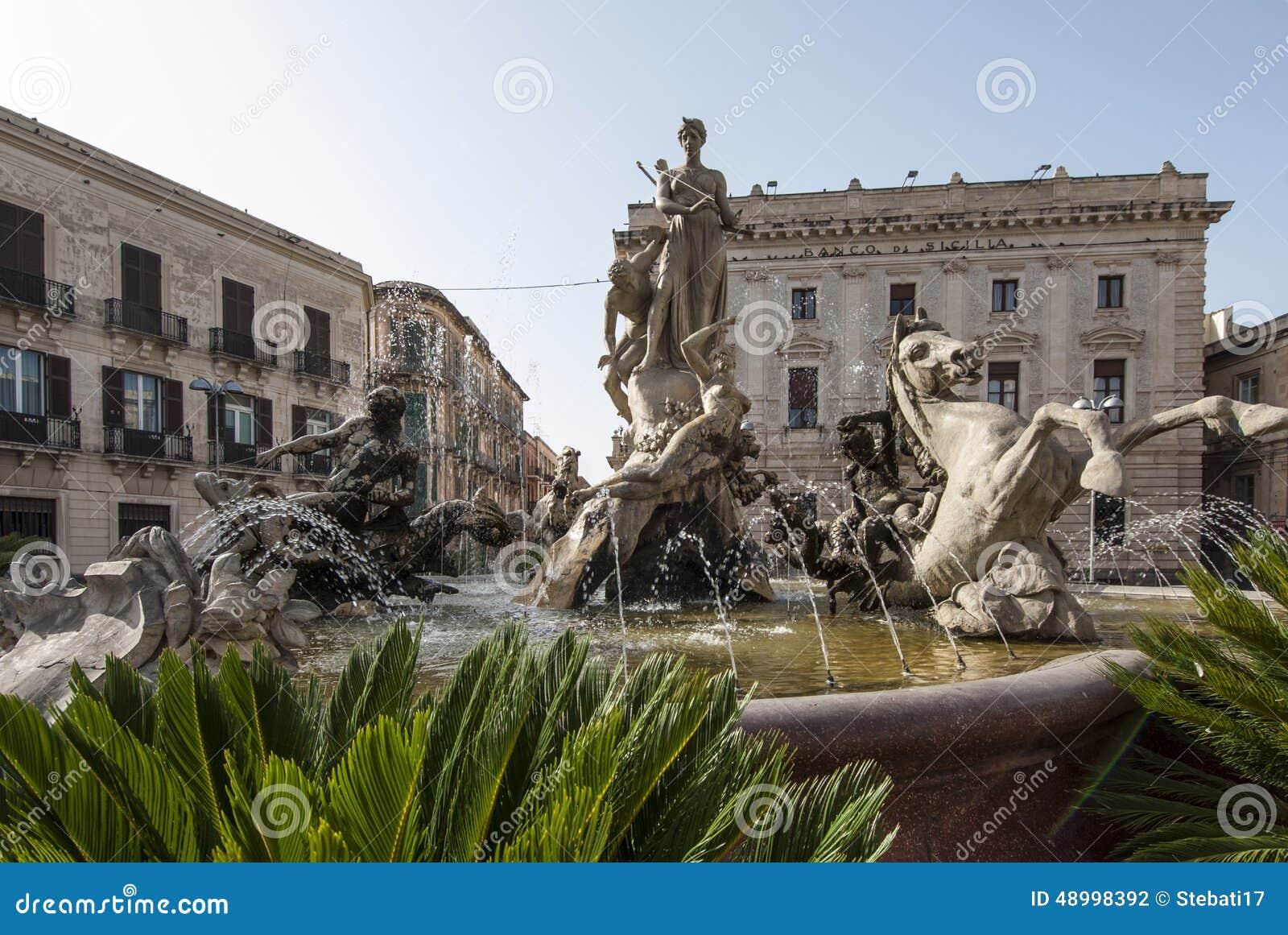 Brunnendiana-ortigia Syrakus Sizilien Italien Europa ...