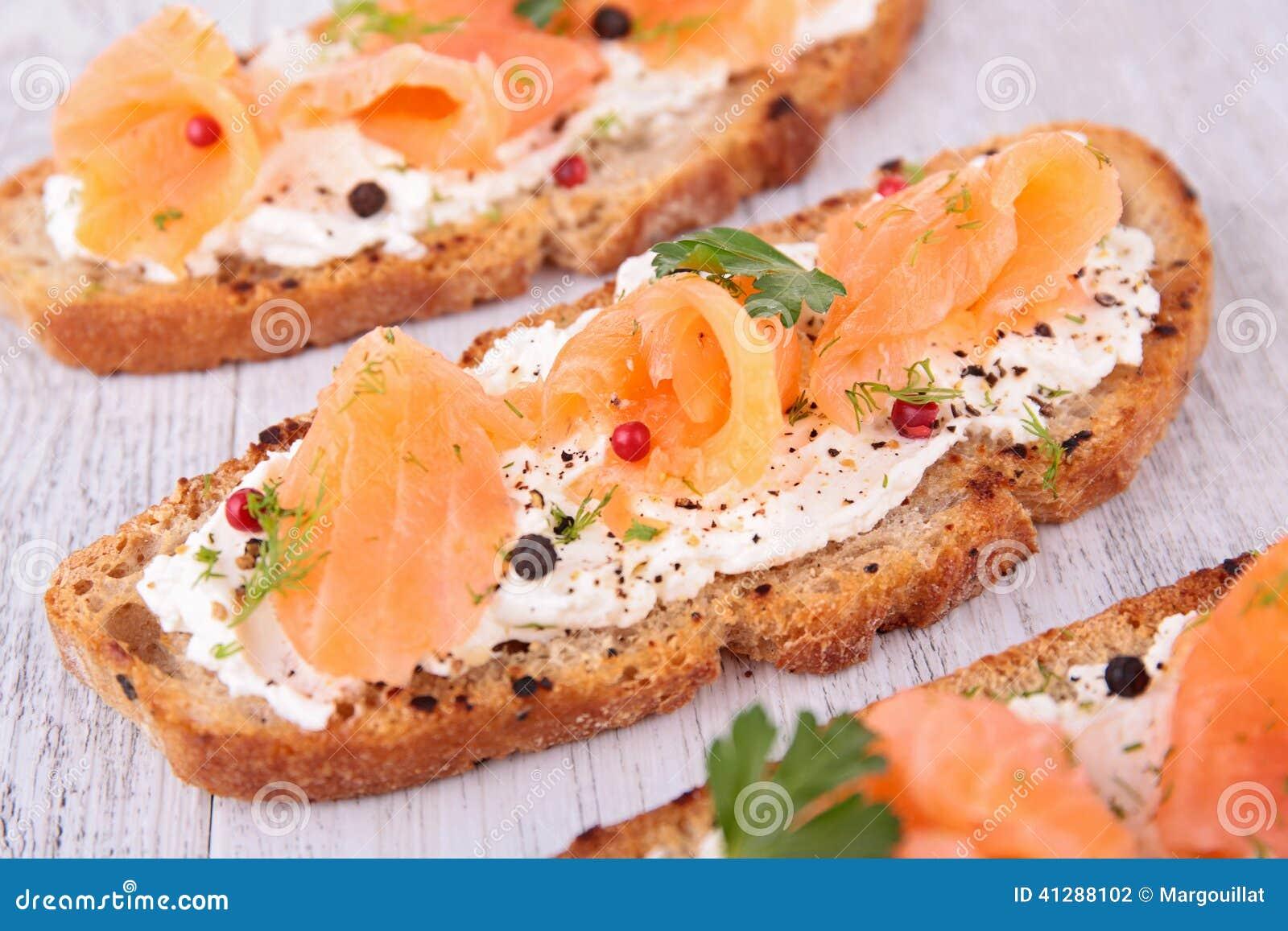 Bruschetta con los salmones