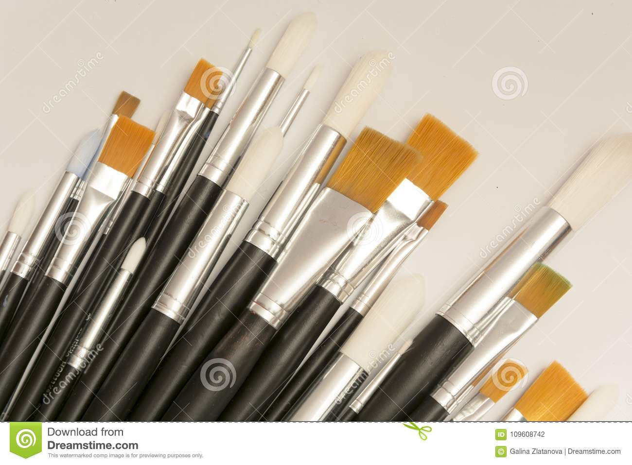 Brushes for drawing different sizes