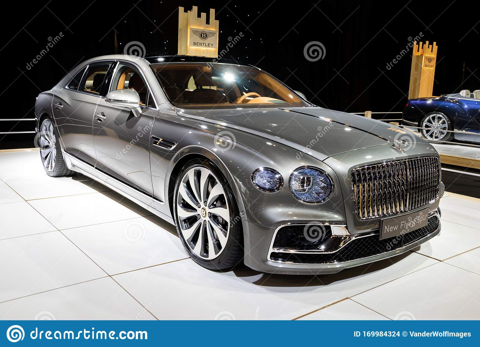 Brussels Jan 9 2020 New Bentley Flying Spur Luxury Car Model Showcased At The Brussels Autosalon 2020 Motor Show Editorial Stock Image Image Of Performance Auto 169984324