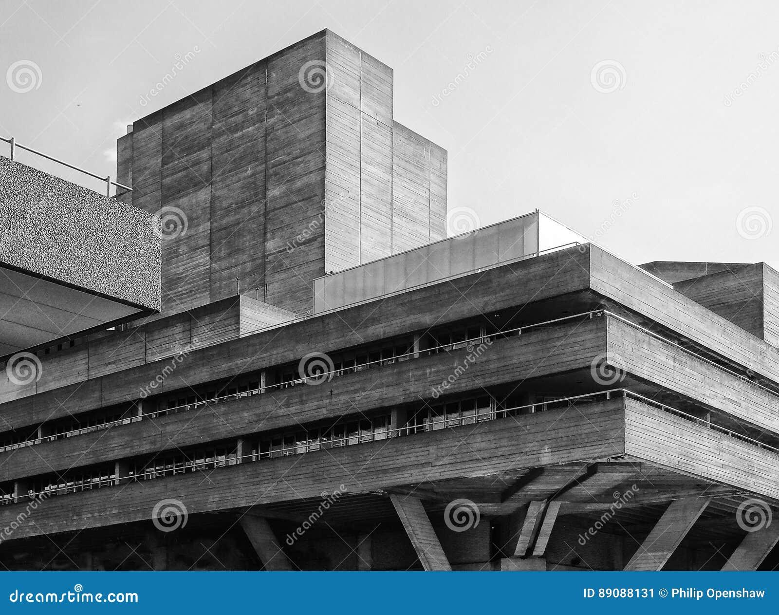 Brutalist betonowy budynek - kąt