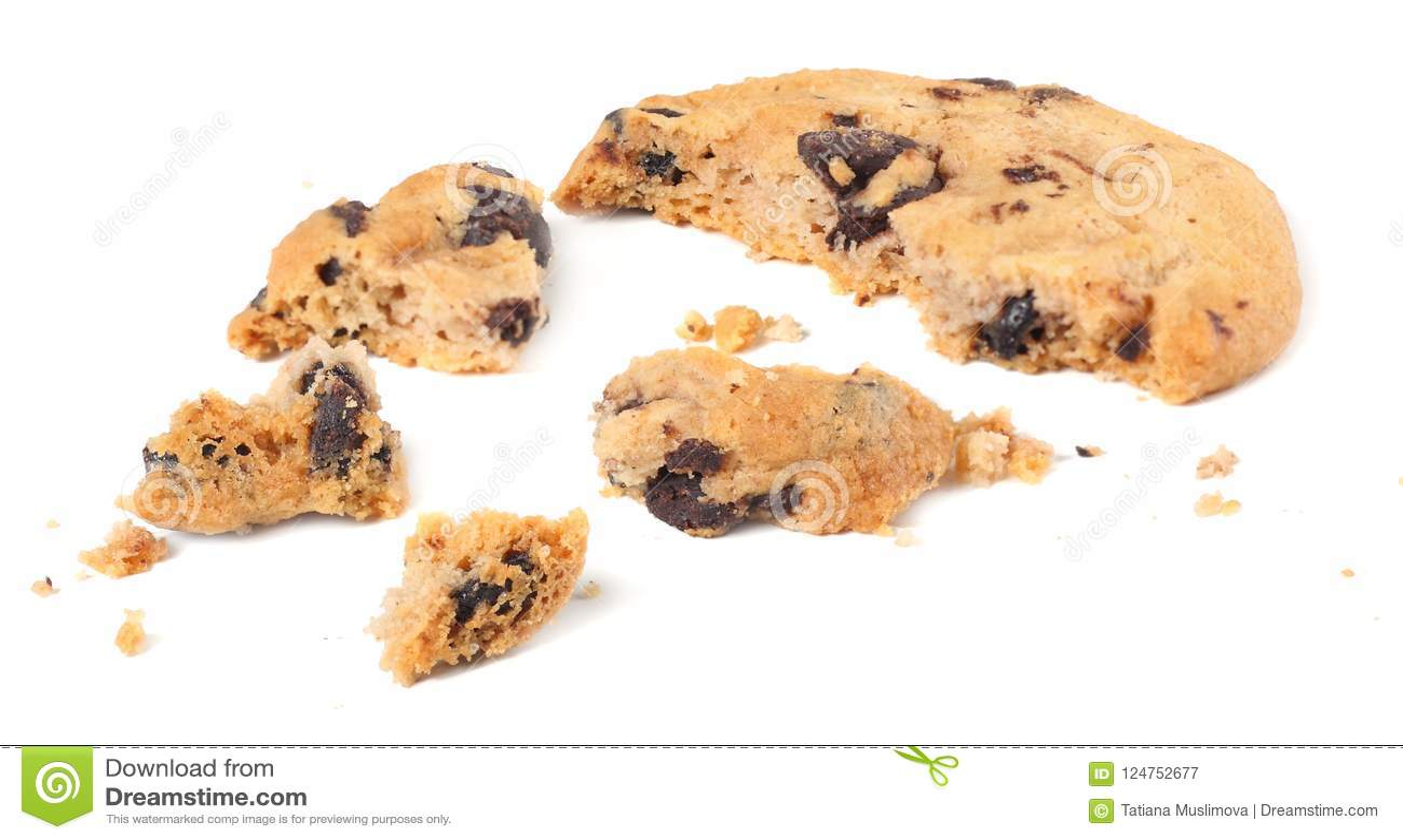 Brutna choklade kakor som isoleras på vit bakgrund söta kexar hemlagad bakelse