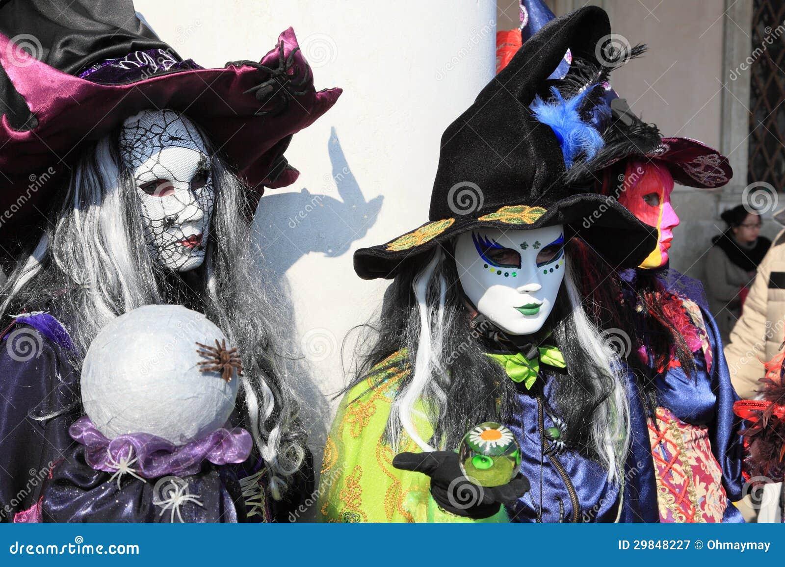 Bruxas mascaradas