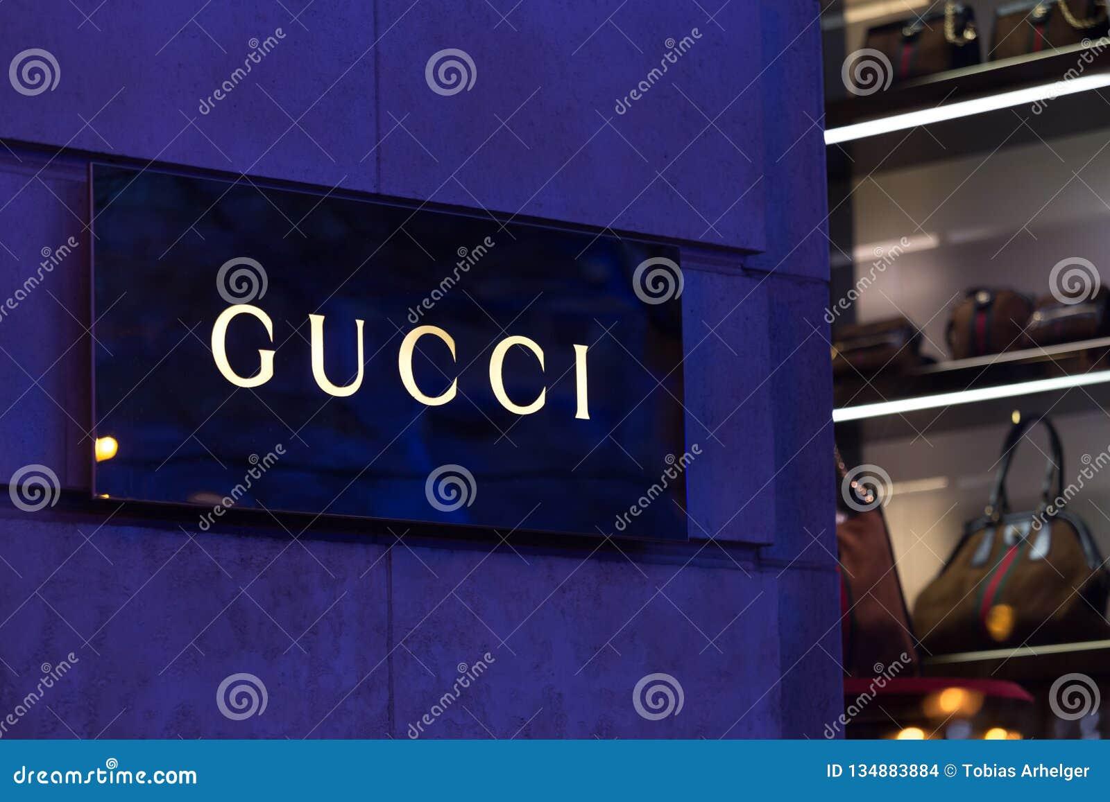 Bruxelles, Bruxelles/Belgique - 13 12 18 : le magasin de gucci signent dedans Bruxelles Belgique