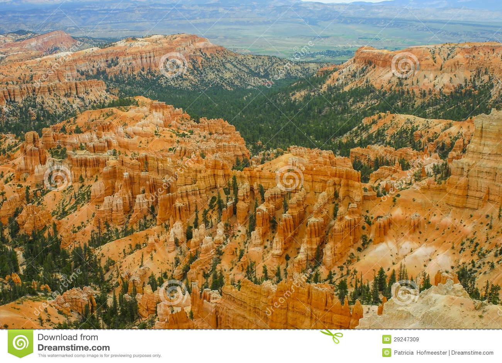 Download Bryce 3 imagem de stock. Imagem de scenic, pinnacles - 29247309