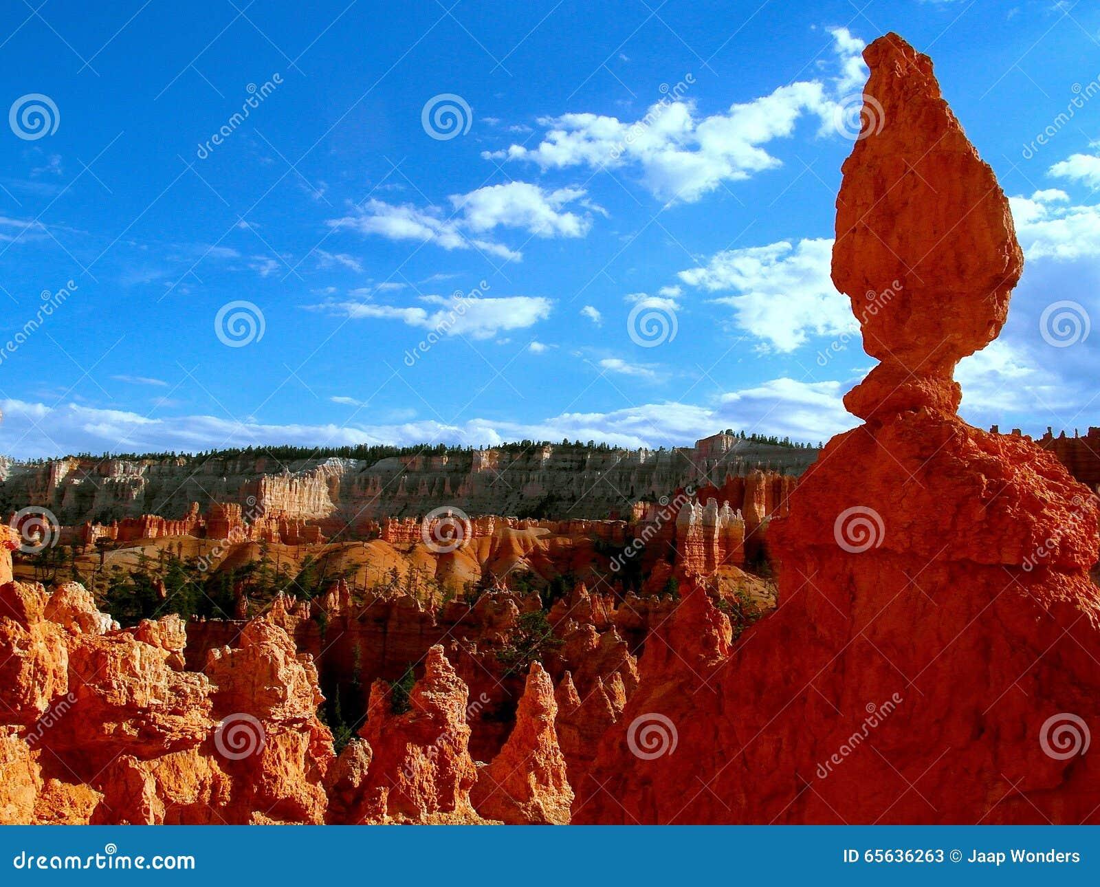 Bryce Canyon Utah a équilibré la roche