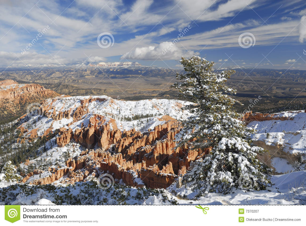 Bryce Canyon in winter from Inspiration Point