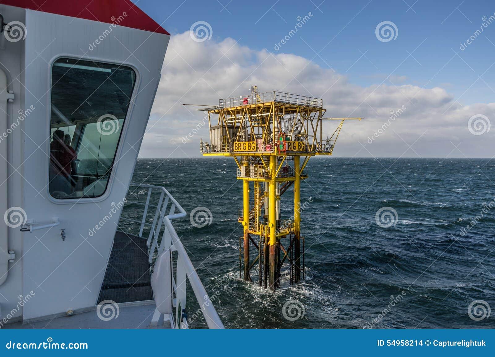 Brygantyny BG bezpilotowy benzynowy estradowy widok od uczęszcza statki