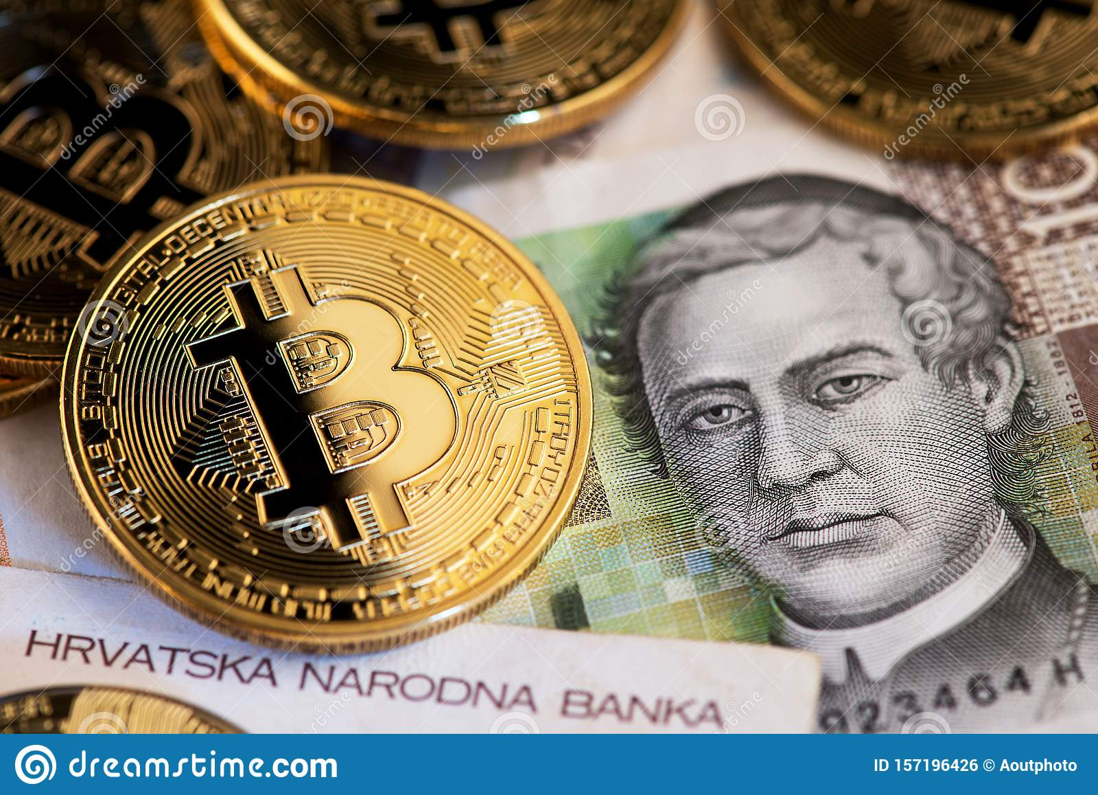 Il lockdown spinge la criptovaluta, banca italiana apre al Bitcoin